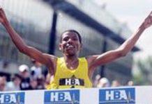 Haile Gebrselassie vainqueur du marathon de Dubaï 2010